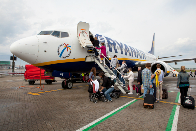 Queuing to board Ryanair. ©iStock.com/swilmor