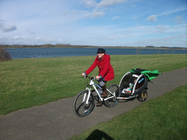 Cycling around Rutland Water with a bike buggy